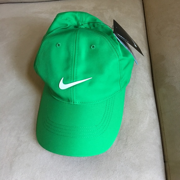 Nike Golf Hat (Unisex) b2836e6a840